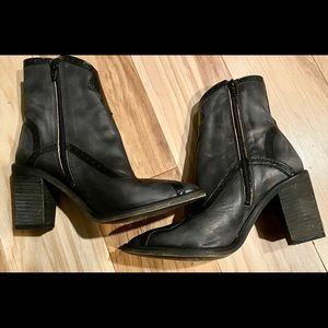 FREE PEOPLE Women's cowboy heeled boots, size 7